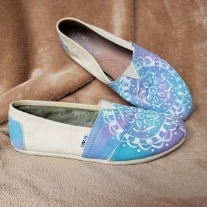 Toms one of a kind size 10